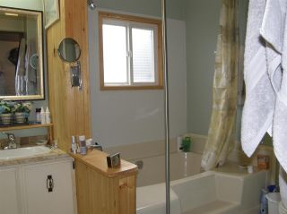 Photo 14: 12 62010 FLOOD HOPE Road in Hope: Hope Center Manufactured Home for sale : MLS®# R2556041