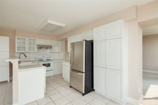 """Photo 4: 701 5615 HAMPTON Place in Vancouver: University VW Condo for sale in """"The Balmoral at Hampton"""" (Vancouver West)  : MLS®# R2195977"""