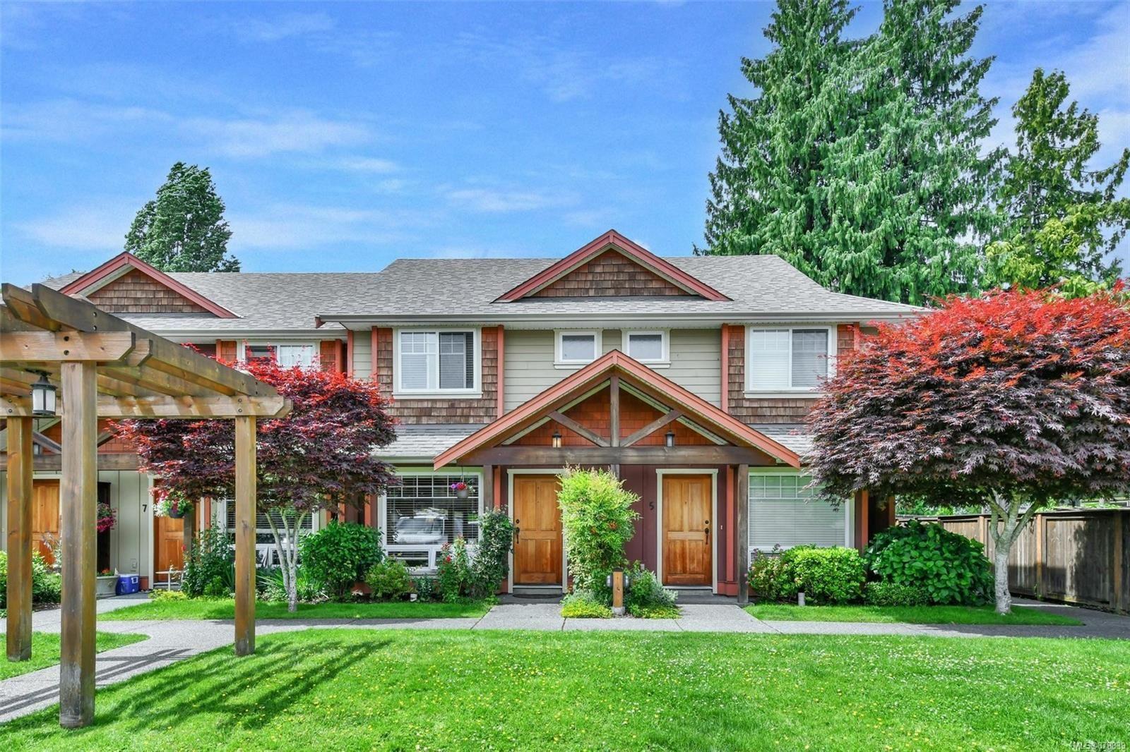 Main Photo: 6 2528 Alexander St in : Du East Duncan Row/Townhouse for sale (Duncan)  : MLS®# 878839