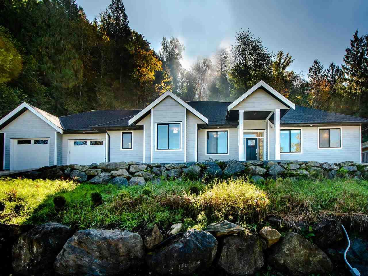 Main Photo: 45962 GURNEY Road: Cultus Lake House for sale : MLS®# R2506781