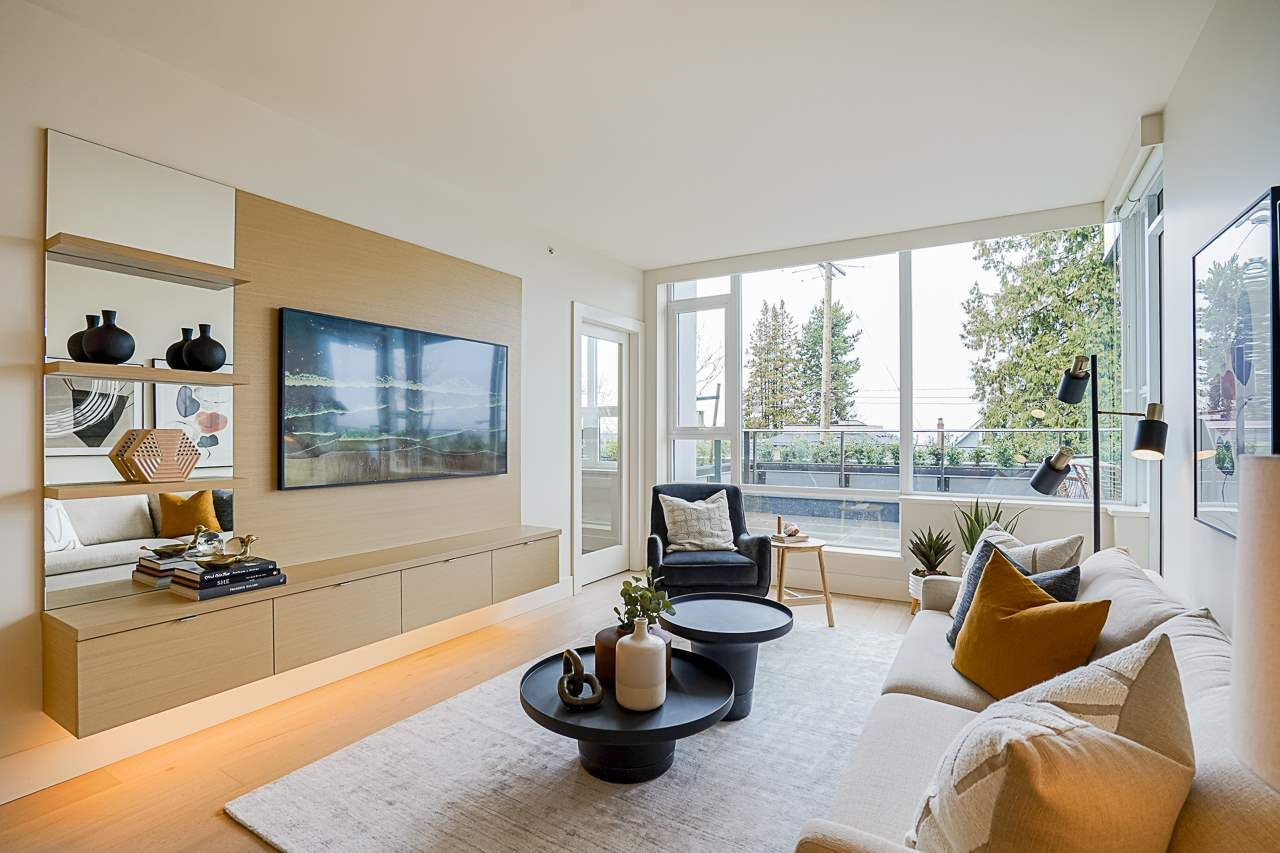 Main Photo: 203 3639 W 16TH Avenue in Vancouver: Point Grey Condo for sale (Vancouver West)  : MLS®# R2556944
