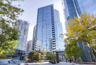 """Photo 3: 2007 1050 BURRARD Street in Vancouver: Downtown VW Condo for sale in """"Wall Centre"""" (Vancouver West)  : MLS®# R2324699"""