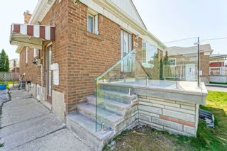 Photo 4: Main 5 Orlando Boulevard in Toronto: Wexford-Maryvale House (Bungalow-Raised) for lease (Toronto E04)  : MLS®# E5206702