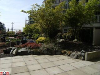 """Photo 9: 402 15350 16A Avenue in Surrey: King George Corridor Condo for sale in """"Ocean Bay Villas"""" (South Surrey White Rock)  : MLS®# F1012480"""
