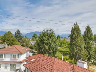 """Photo 19: 312 4893 CLARENDON Street in Vancouver: Collingwood VE Condo for sale in """"CLARENDON PLACE"""" (Vancouver East)  : MLS®# R2216672"""