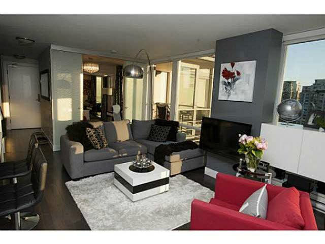 """Photo 4: Photos: 1707 535 SMITHE Street in Vancouver: Downtown VW Condo for sale in """"DOLCE AT SYMPHONY PLACE"""" (Vancouver West)  : MLS®# V1138374"""