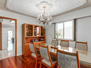 Photo 3: 5431 ARGYLE Street in Vancouver: Knight House for sale (Vancouver East)  : MLS®# R2401912