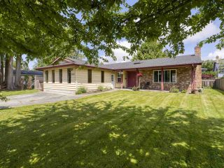 Photo 1: 5093 2 Avenue in Delta: Pebble Hill House for sale (Tsawwassen)  : MLS®# R2462013