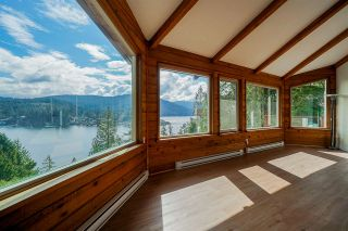 Photo 1: 1672 ROXBURY Place in North Vancouver: Deep Cove House for sale : MLS®# R2496263
