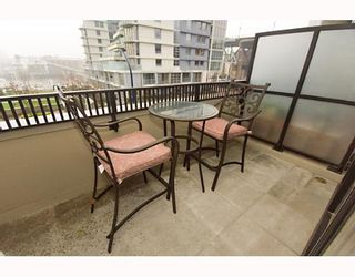 """Photo 9: 593 BEACH Crescent in Vancouver: False Creek North Townhouse for sale in """"PARKWEST TWO"""" (Vancouver West)  : MLS®# V636963"""