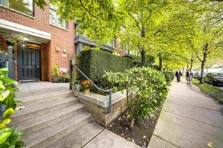 """Photo 2: 1421 W 7TH Avenue in Vancouver: Fairview VW Townhouse for sale in """"Siena of Portico"""" (Vancouver West)  : MLS®# R2624538"""
