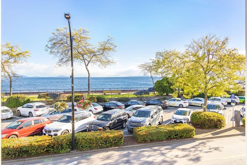 """Photo 2: Photos: 111 14881 MARINE Drive: White Rock Condo for sale in """"DRIFTWOOD ARMS"""" (South Surrey White Rock)  : MLS®# R2595780"""