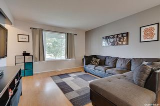 Photo 3: 450 Rutherford Crescent in Saskatoon: Sutherland Residential for sale : MLS®# SK865413