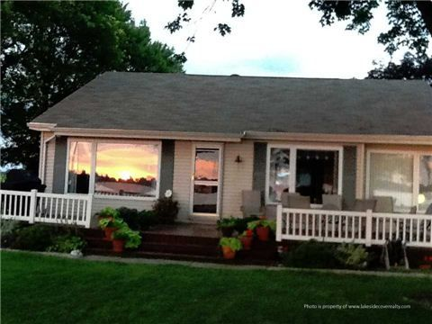 Main Photo: 3354 St. Clair Parkway in St. Clair: House (Bungalow) for sale : MLS®# X3157804