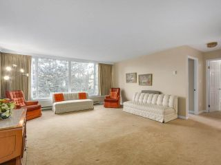 """Photo 2: 302 5425 YEW Street in Vancouver: Kerrisdale Condo for sale in """"The Belmont"""" (Vancouver West)  : MLS®# R2337022"""