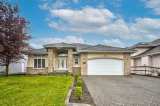 """Photo 1: 3543 SUMMIT Drive in Abbotsford: Abbotsford West House for sale in """"NORTH-WEST ABBOTSFORD"""" : MLS®# R2609252"""