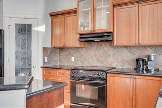Photo 11: 1638 STRATHCONA Drive SW in Calgary: Strathcona Park Detached for sale : MLS®# C4288398