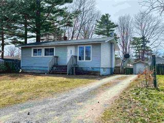 Photo 1: 1009 Kenwood Avenue in Greenwood: 404-Kings County Residential for sale (Annapolis Valley)  : MLS®# 202104592
