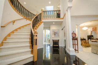Photo 2: 4580 GRANVILLE Avenue in Richmond: Quilchena RI House for sale : MLS®# R2171579