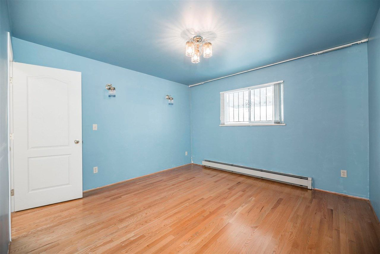 Photo 15: Photos: 5984 E VICTORIA Drive in Vancouver: Killarney VE House for sale (Vancouver East)  : MLS®# R2571656