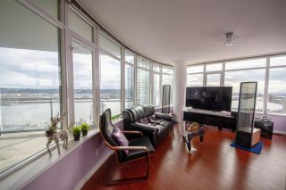 Photo 3: 2201 892 CARNARVON STREET in New Westminster: Downtown NW Condo for sale : MLS®# R2499563