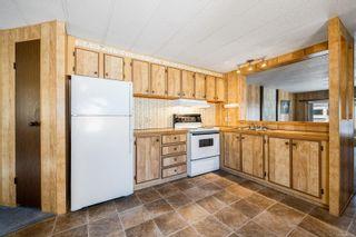 Photo 3: 49 1240 Wilkinson Rd in : CV Comox Peninsula Manufactured Home for sale (Comox Valley)  : MLS®# 886123
