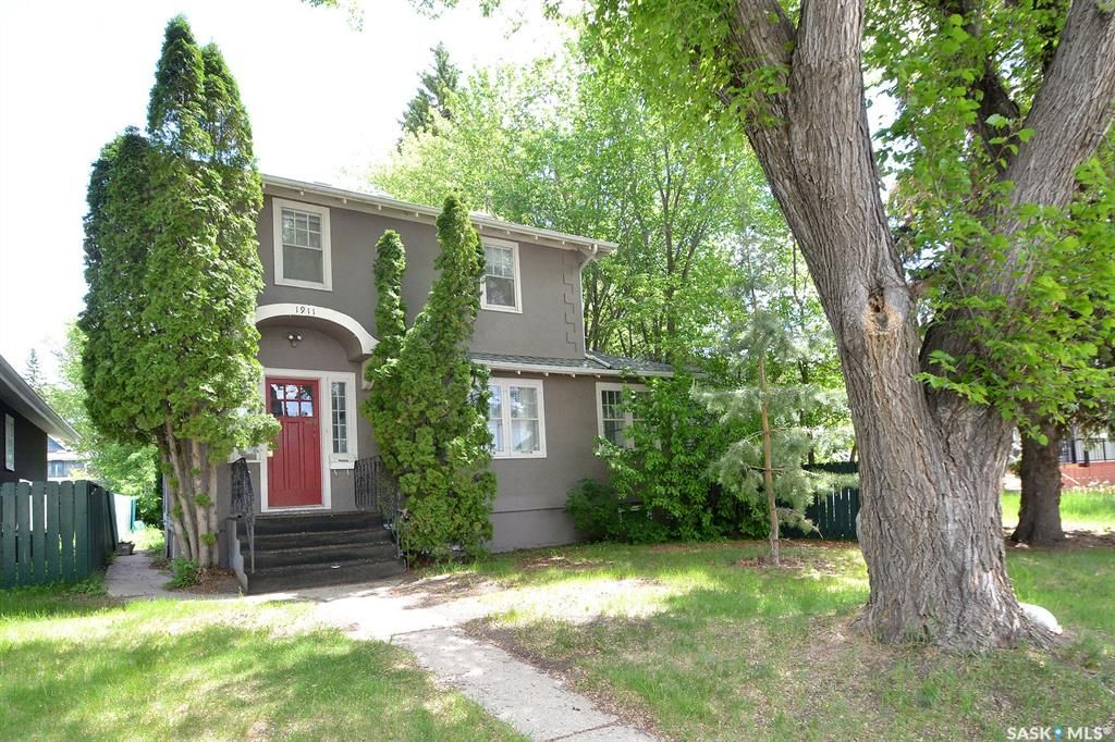 Main Photo: 1911 St George Avenue in Saskatoon: Exhibition Residential for sale : MLS®# SK858904
