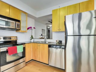 """Photo 7: 1304 1238 BURRARD Street in Vancouver: Downtown VW Condo for sale in """"ALTADENA"""" (Vancouver West)  : MLS®# R2620701"""