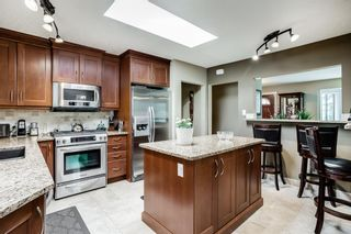 Photo 7: 308 99 Avenue SE in Calgary: Willow Park Detached for sale : MLS®# A1111736