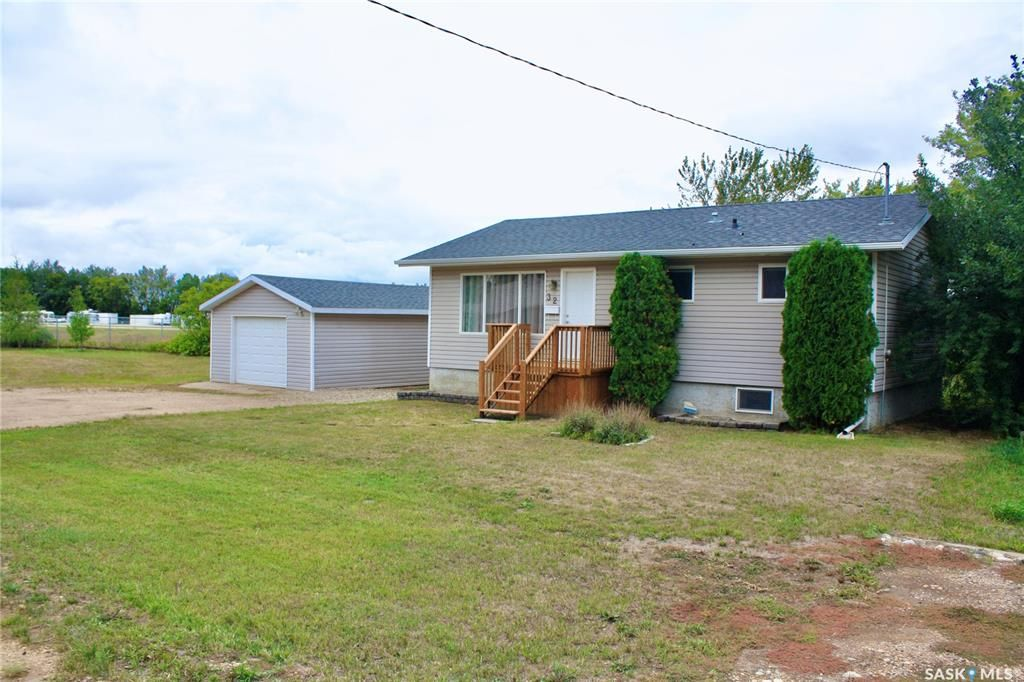 Main Photo: 32 2nd Avenue in Clavet: Residential for sale : MLS®# SK867818