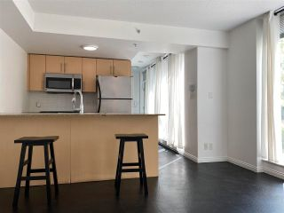 """Photo 4: 39 KEEFER Place in Vancouver: Downtown VW Townhouse for sale in """"THE TAYLOR"""" (Vancouver West)  : MLS®# R2575670"""