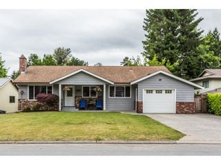 """Photo 1: 3633 BURNSIDE Drive in Abbotsford: Abbotsford East House for sale in """"SANDY HILL"""" : MLS®# R2274309"""