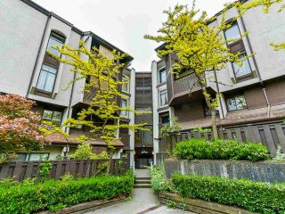 """Photo 2: 15 365 GINGER Drive in New Westminster: Fraserview NW Townhouse for sale in """"Fraser Mews"""" : MLS®# R2458131"""