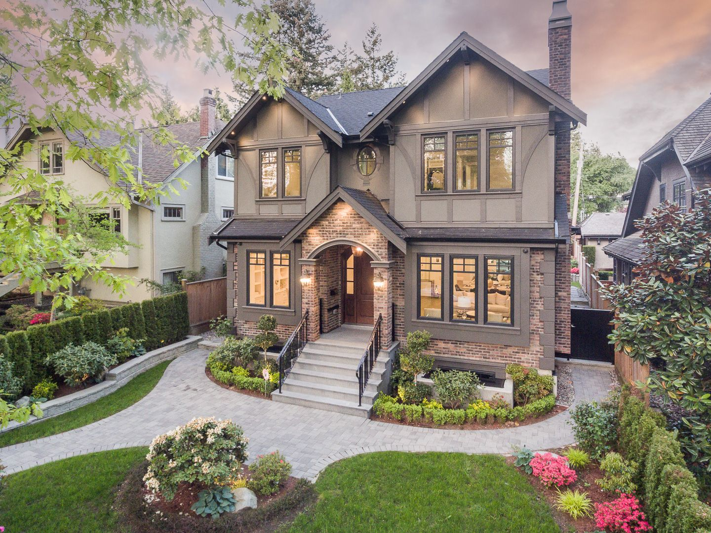 Main Photo: 5756 ALMA STREET in VANCOUVER: Southlands House for sale (Vancouver West)  : MLS®# R2588229