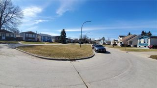 Photo 34: 42 Lechman Place in Winnipeg: River Park South Residential for sale (2F)  : MLS®# 202008597