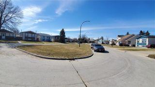Photo 34: 42 Lechman Place | River Park South Winnipeg