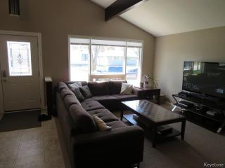 Photo 5: 423 Armstrong Avenue in Winnipeg: Margaret Park Residential for sale (4D)  : MLS®# 1711127