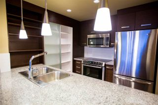 "Photo 7: 604 2959 GLEN Drive in Coquitlam: North Coquitlam Condo for sale in ""THE PARC"" : MLS®# R2144398"