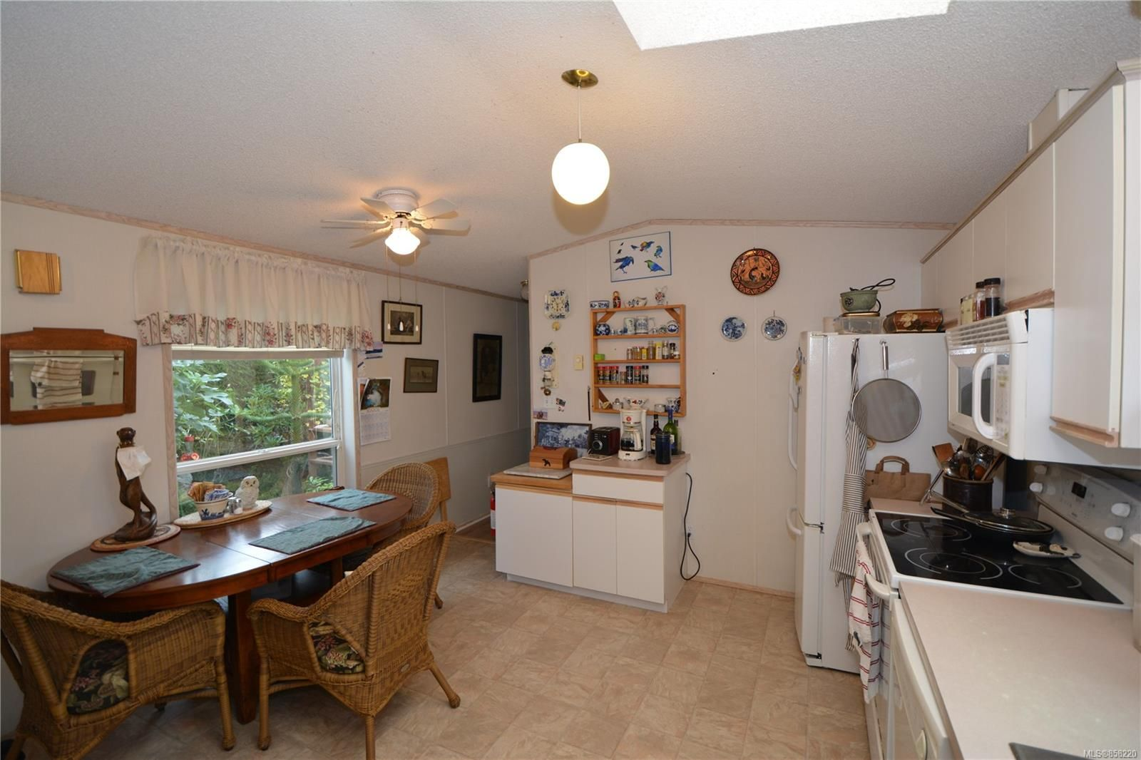 Photo 6: Photos: 15 7109 West Coast Rd in : Sk John Muir Manufactured Home for sale (Sooke)  : MLS®# 858220