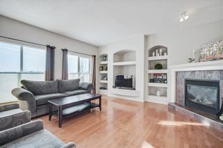 Photo 3: 1638 STRATHCONA Drive SW in Calgary: Strathcona Park Detached for sale : MLS®# C4288398
