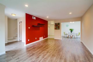 Photo 3: CLAIREMONT Townhouse for sale : 3 bedrooms : 5528 Caminito Katerina in San Diego