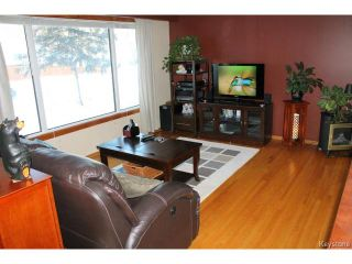 Photo 2: 707 Dale Boulevard in WINNIPEG: Charleswood Residential for sale (South Winnipeg)  : MLS®# 1500242