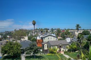 Photo 10: PACIFIC BEACH Townhouse for sale : 2 bedrooms : 1605 Emerald in San Diego