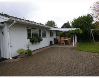 Photo 3: 1329 COTTONWOOD Place in North_Vancouver: Norgate House for sale (North Vancouver)  : MLS®# V673150