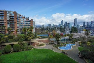 """Photo 12: 301 1470 PENNYFARTHING Drive in Vancouver: False Creek Condo for sale in """"Harbour Cove"""" (Vancouver West)  : MLS®# R2563951"""