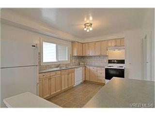 Photo 4: 1159A Greenwood Ave in VICTORIA: Es Saxe Point Half Duplex for sale (Esquimalt)  : MLS®# 458721