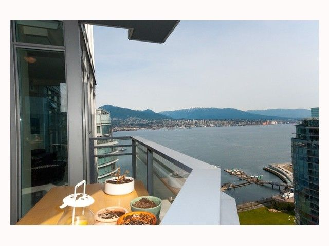 """Main Photo: 2804 - 1205 W. Hastings Street in Vancouver: Coal Harbour Condo for sale in """"CIELO"""" (Vancouver West)  : MLS®# V817933"""