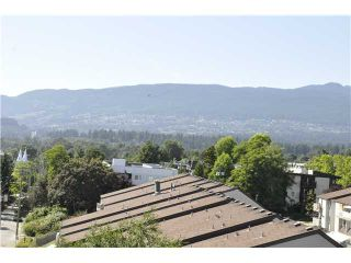 """Photo 2: 706 170 W 1ST Street in North Vancouver: Lower Lonsdale Condo for sale in """"ONE PARK LANE"""" : MLS®# V1016592"""