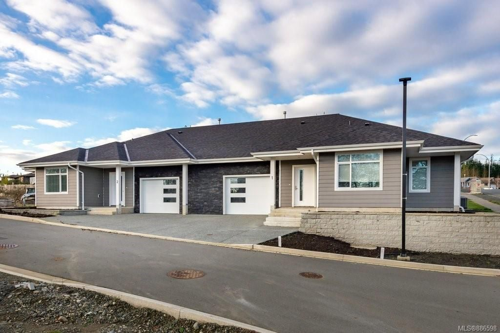 Main Photo: 1 1580 Glen Eagle Dr in Campbell River: CR Campbell River West Half Duplex for sale : MLS®# 886598