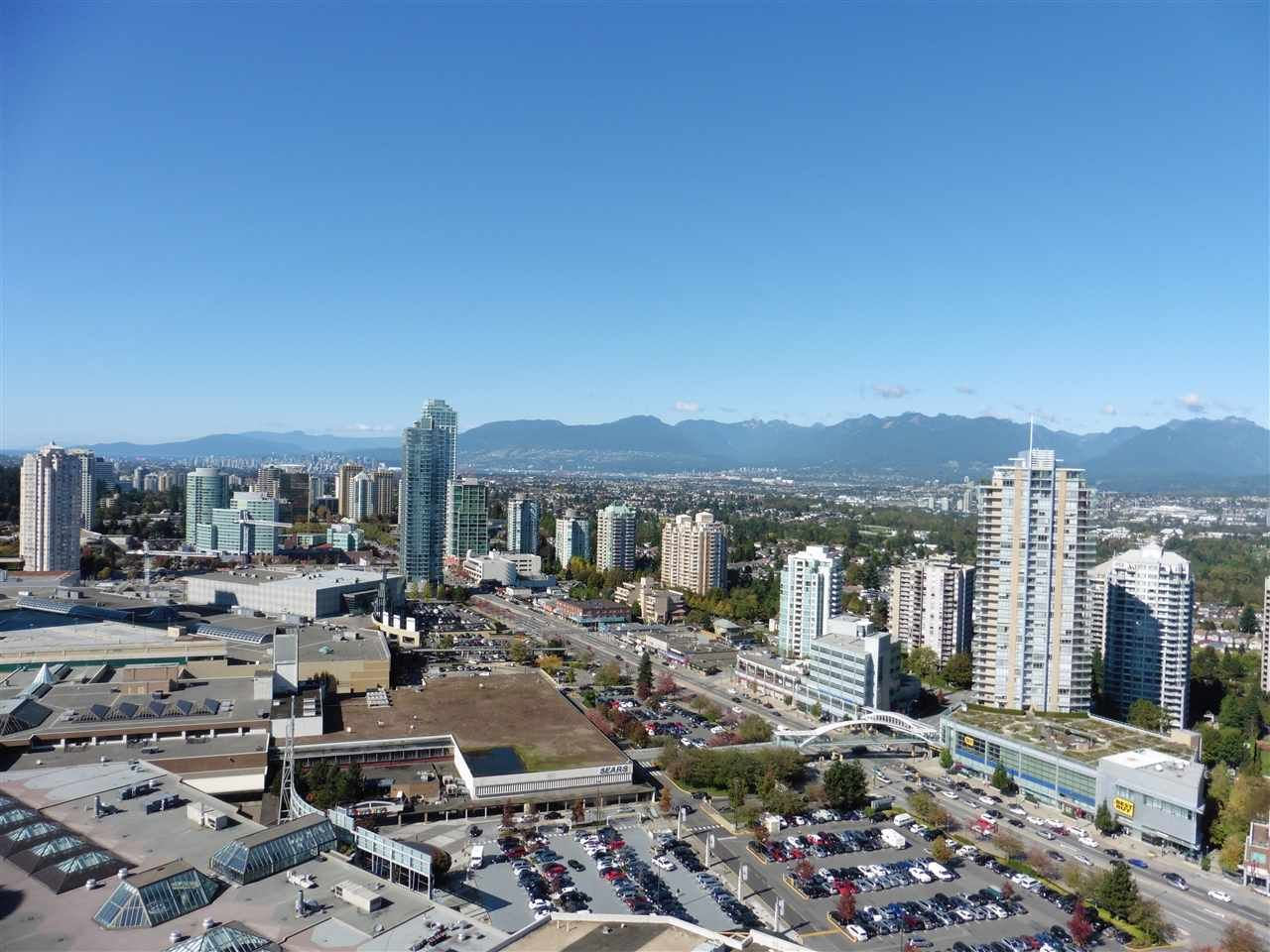 """Photo 2: Photos: 3702 4880 BENNETT Street in Burnaby: Metrotown Condo for sale in """"CHANCELLOR"""" (Burnaby South)  : MLS®# R2006395"""